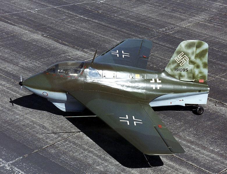 Messerschmidt Me 163: Das Raketenflugzeug war bis 1953 der schnellste Flieger der Welt - und in maßgeblichen Teilen aus Sperrholz gefertigt. Copyright: USAF